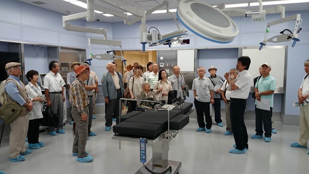 3階に7部屋ある手術室の説明を受ける