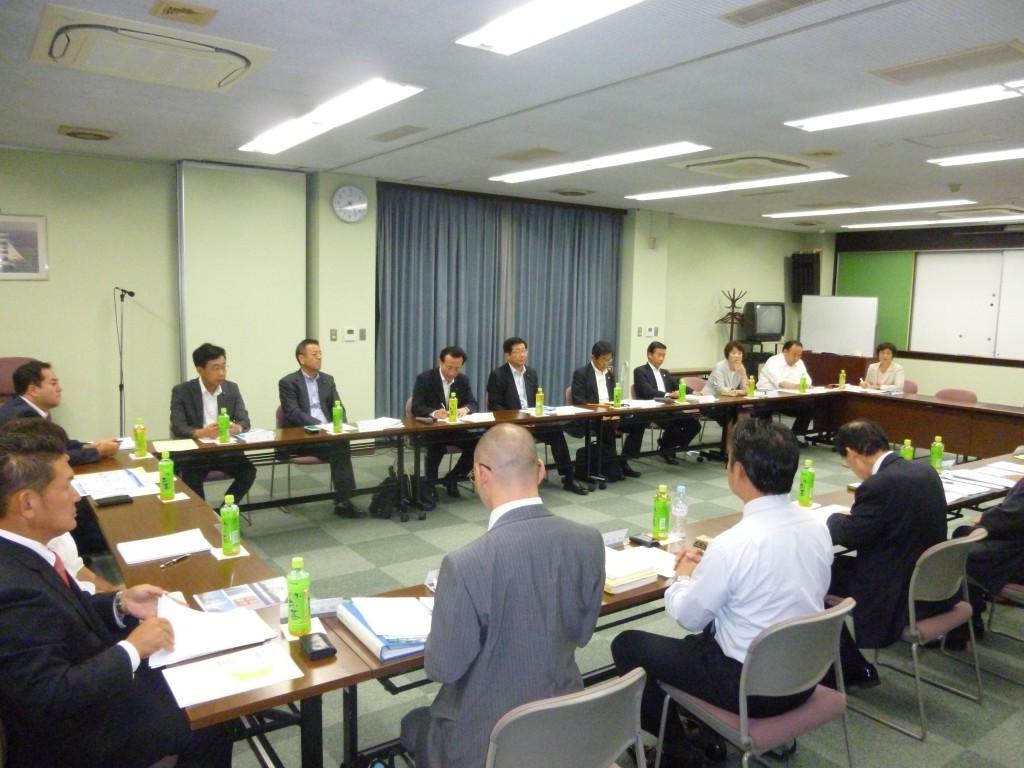 大阪土地家屋調査士会館会議室