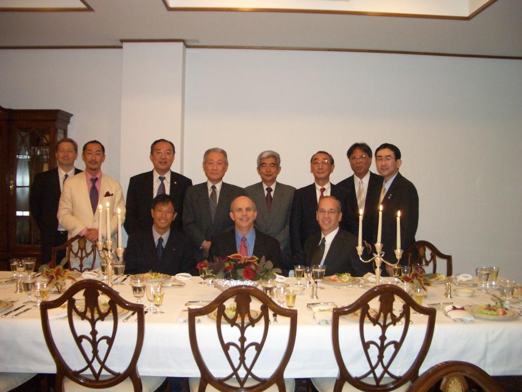 総領事公邸での夕食会